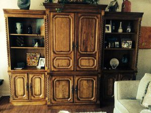 Wall unit - Gorgeous. Perfect. Makes a room look rich. I am selling a good bit of my furniture-life change. for Sale in Strongsville, OH