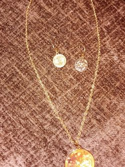 Necklace And Matching Earrings Gold Tone for Sale in Spartanburg,  SC