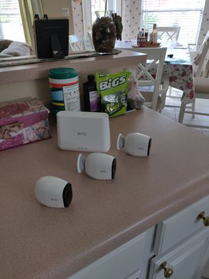 Arlo Pro System 3 Cameras and Base and charger for Sale in Helotes, TX