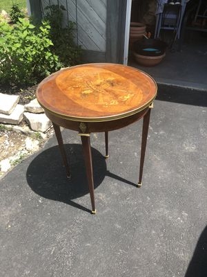 Beautiful antique accent table . for Sale in Dublin, OH