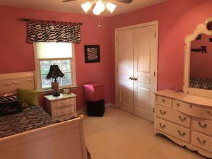 Girls Bedroom Set & Room Accessories for Sale in Bradford Woods, PA