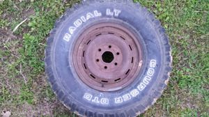 Used truck tire LT285/75 R16 for Sale in Saint James, MO