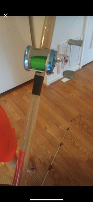 Fishing rod And Reel (Combo) lightning night $80 obo for Sale in Fredericksburg, VA