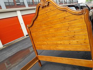Gorgeous queen size bed frame 300 OBO I can deliver for Sale in Chicago, IL