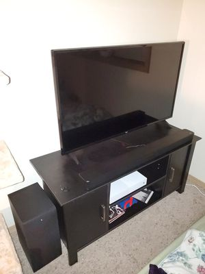 43 inch 4k LG tv with soundbar and subwoofer! for Sale in Eugene, OR