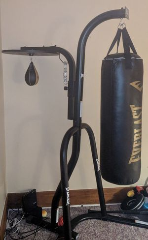 Everlast punching bag set with stand for Sale in Erie, PA