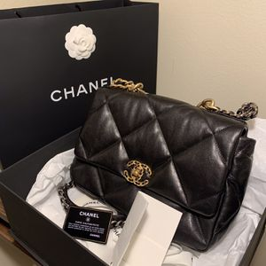 Chanel Grand Sac A Rabat 19 for Sale in Palm Springs, CA