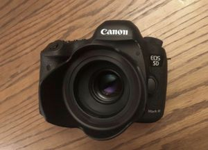 Canon 5D miii for Sale in Williamsburg, VA