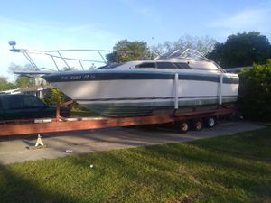 89 bayliner house boat. And trailor trade for car or motorcycle or sell for Sale in San Antonio, TX