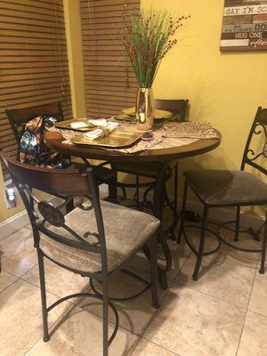 Breakfast table for Sale in Brandon, FL