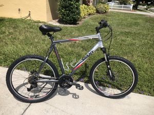 Giant Yukon XC Mountain Bike for Sale in Sarasota, FL