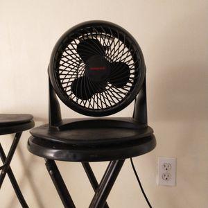 Honeywell Table Fan for Sale in Miami, FL