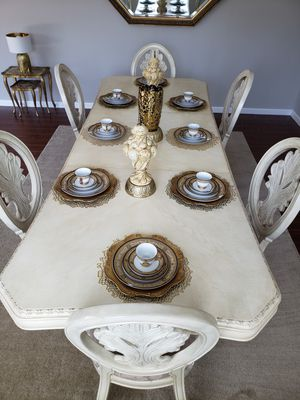 Dining room table and 6 chairs for Sale in Atherton, CA