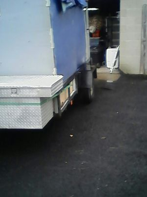 12' enclosed trailer with tool box for Sale in Columbus, OH