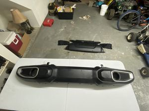 Jeep Gladiator bumper and extra parts - 2020 model. for Sale in Deer Park, TX