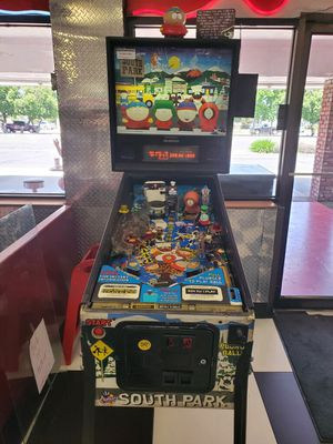 ****** South Park pinball video arcade game ****** for Sale in Fresno, CA