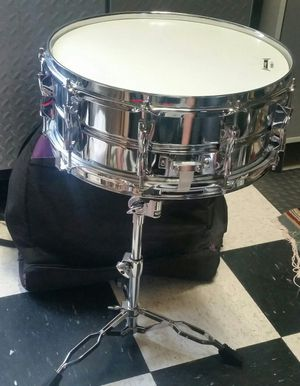Yamaha Student Drum with case and stand for Sale in Whittier, CA