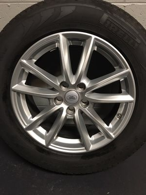 "19"" Landrover/Range Rover Stock Wheels with Pirelli Tires for Sale in Pittsburgh, PA"
