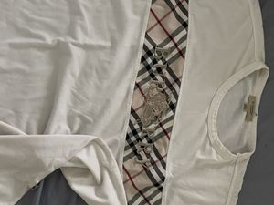 Burberry size Large for Sale in Los Angeles, CA