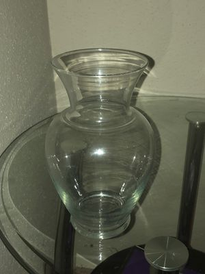 One Glass Flower Vase for Sale in Universal City, TX