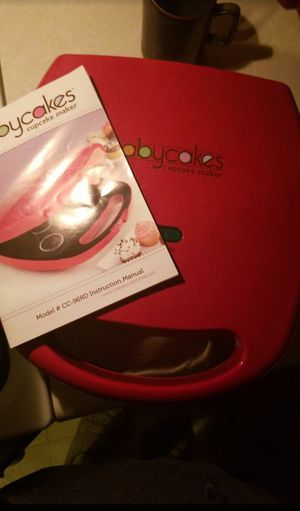 Babycakes cupcake maker for Sale in Eau Claire, WI