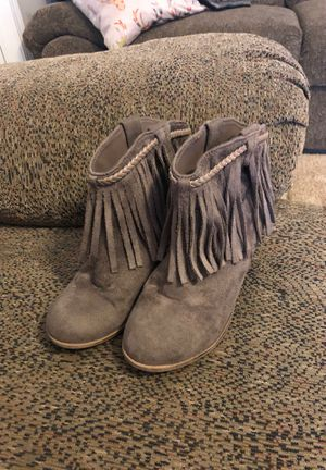 Girls fringe boot size 2 for Sale in Franklinton, NC