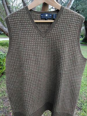 Hart Shaffner Marx Sweater vest for Sale in Alamo Heights, TX