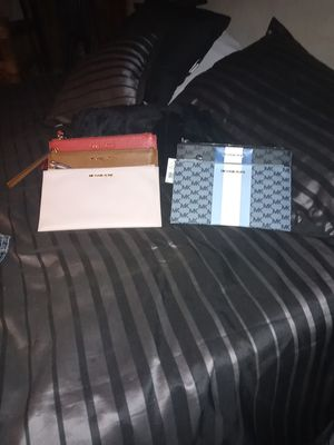 Michael..kors. Hand bags..$175.there is five.. for Sale in Fresno, CA