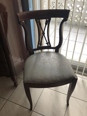 Antique chair in wood for Sale in Miami, FL