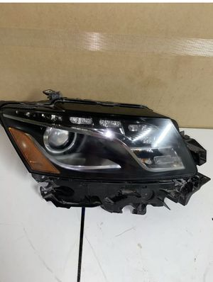 09-12 AUDI Q5 RIGHT passenger XENON HID SELF ADJUSTING HEADLIGHT ( without AFS) for Sale in Burbank, CA