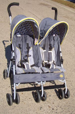Double Umbrella Stroller for Sale in Philadelphia, PA