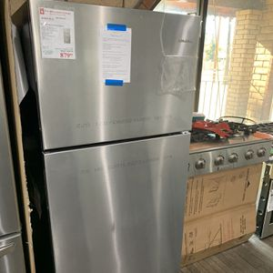 Amana Top Freezer Refrigerator for Sale in Rancho Cucamonga, CA