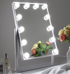 Hollywood Vanity Makeup Mirror ***credit cards accepted** for Sale in Poway, CA