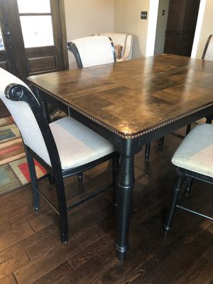 Beautiful Counter Height Table + 4 chairs for Sale in Ballwin, MO