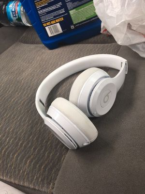 Solo beats 3 HMU if interested they work so great an I have a charger an aux cord with HMU now for Sale in Indianapolis, IN