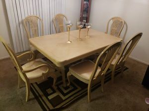 Dining Room Table 7 Piece w/ Extension Leaf - (6 Chairs) for Sale in Whittier, CA
