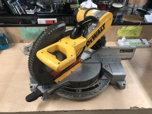"Miter Box Saw, Tools-Power Dewalt 12"" -DW716 No Bag .. Negotiable for Sale in Baltimore, MD"