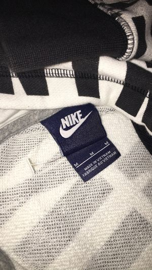 Nike size M hoodie jacket for Sale in Falls Church, VA