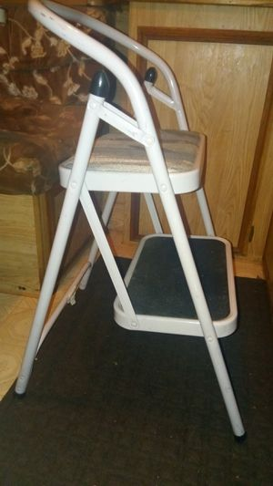 2 STEP STEPPING STOOL/CHAIR for Sale in Newcastle, CA