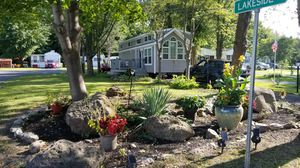 2017 RV Park model in Leisurewood for Sale in Clarence, NY