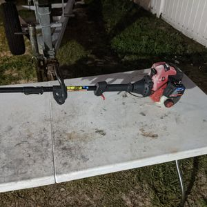 Craftsman 25cc Weedeater With Detachable Straight-shaft Attachment for Sale in Riverview, FL