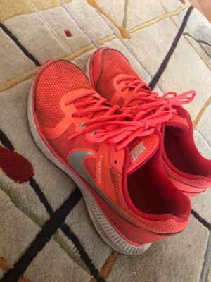 Pink nike running shoes size 9 for Sale in Columbus, OH