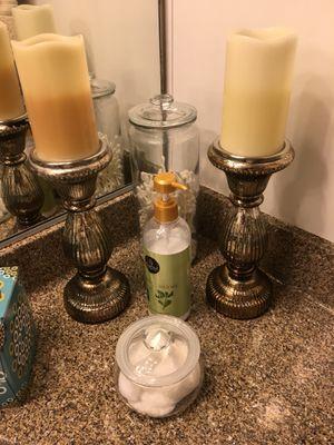 Household/bathroom Decor! for Sale in Irvine, CA