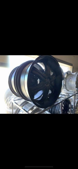 Dolce 22' s rims only 6 lugs bolt pattern 6x5.5 for Sale in North Las Vegas, NV