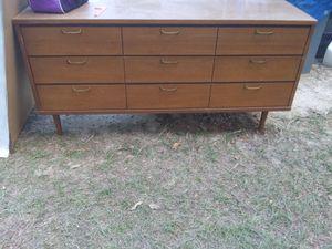 Beautiful dresser.....9 drawers for Sale in Leesburg, GA