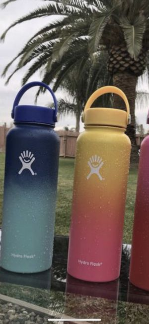Hydro Flask LIMITED EDITION Ombre Wide Mouth Bottle w/ Flex Cap 40 oz. for Sale in Corona, CA