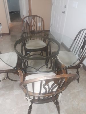 Dining table for Sale in Riverbank, CA