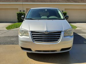 Chrysler Town & Country LX 2009 3.3L for Sale in Windermere, FL