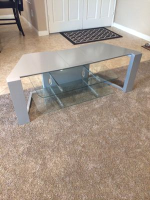 TV Stand with glass shelves for Sale in Norco, CA