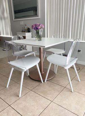 Breakfast table and chairs, gold rose for Sale in Orlando, FL